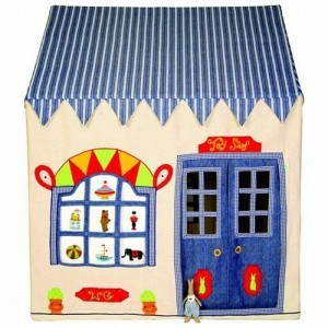 Win Green Toy Shop Playhouse (Klein) + Floor Quilt